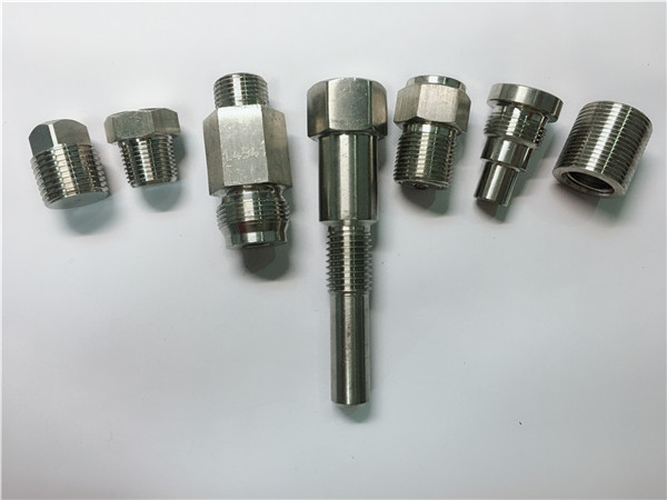 hochwertige oem drehmaschine edelstahl befestigungen aus cnc-bearbeitung